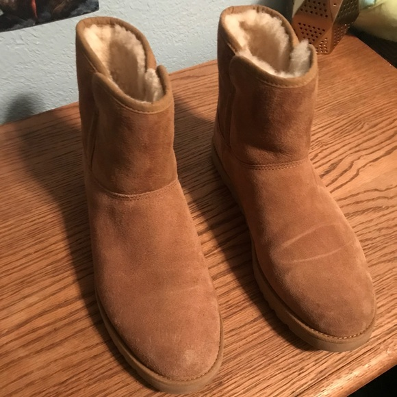 brown ankle uggs
